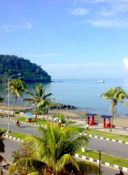 Pantai Padang Taplau