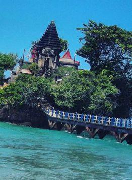 Pure Pantai Balaikambang