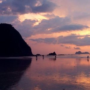 Sunset Pulau Merah
